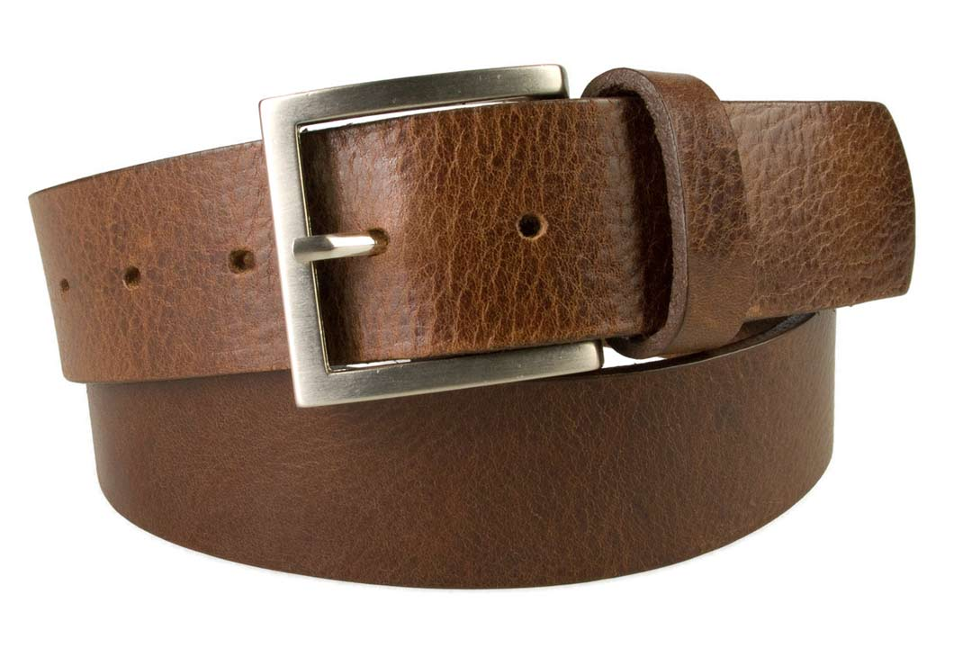 The tip of the belt inserts into the ratchet belt buckle, where a locking mechanism holds the belt in place from the back. To remove the belt, just press the small metal lever on the bottom of the buckle, and the belt slides out of the buckle/5(K).