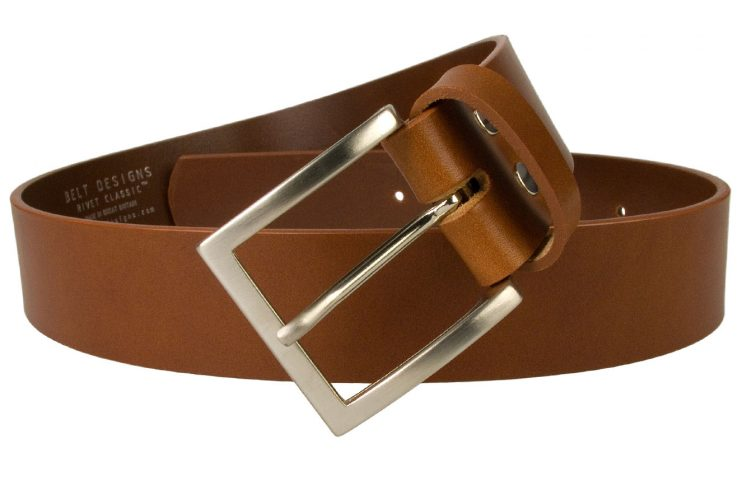 British Made Tan Leather Jeans Belt 4cm Wide. Superior quality mens leather jeans belt made in UK by British Craftsmen. Top Grade Italian Full Grain Vegetable Tanned Leather. Italian Made Buckle. Leather approximately 4mm thick.