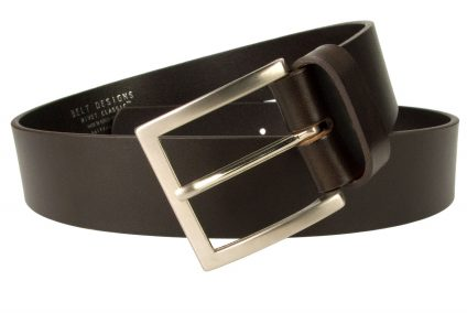 Dark Brown Leather Jeans Belt. Superior Quality Mens Jeans Belt Made In UK By British Craftsmen. Top Quality Full Grain Italian Leather. Strong and Long Lasting. Part of our Rivet Classic Collection. 4cm Wide and Approx. 4mm Thick Heavy Leather for a Long Lasting Belt.
