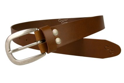 Womens Tan Belt With Old Silver Tone Buckle. Champion Chase Horse Shoe Motif to Tip of Belt. Ornate Domed Rivets To Belt Return. 3 cm Wide Leather Belt. MadeIn UK by Skilled British Craftsmen. Full Grain Italian Vegetable Tanned Leather. Leather Thickness Approximately 3mm