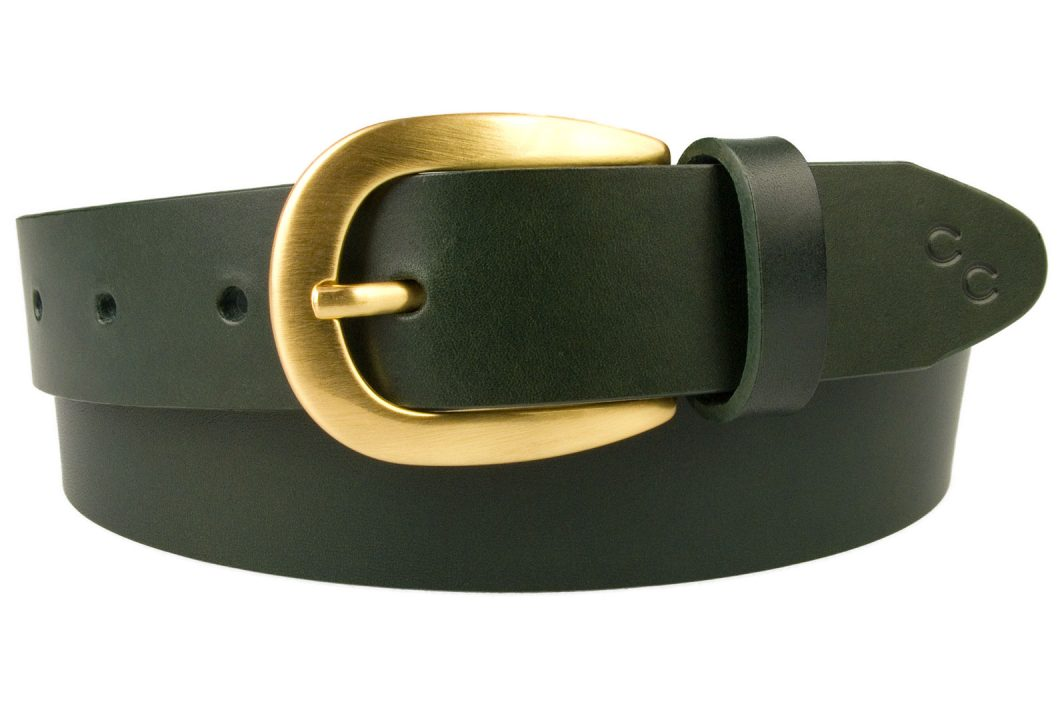 Ladies Green Leather Belt With Hand Brushed Gold Plated Buckle. Emerald Green Italian Full Grain Vegetable Tanned Leather. Italian Gold Plated Buckle - Hand Brushed and Lacquered. Champion Chase Horse Shoe Motif to Tip of Belt. 3cm Wide.