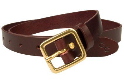 Narrow Leather Belt Mulberry Colour Leather Solid Brass Buckle. Free Sliding Loop and Ornate Gold Plated rivet closure. Champion Chase Double Horse SHoe Motif to tip of belt. British Made Leather Belt using High Quality Italian Full Grain Leather. Italian Made Solid Brass Buckle. 2.5 cm Wide Leather Belt (approx. 1 inch). Leather thickness approx 3mm.