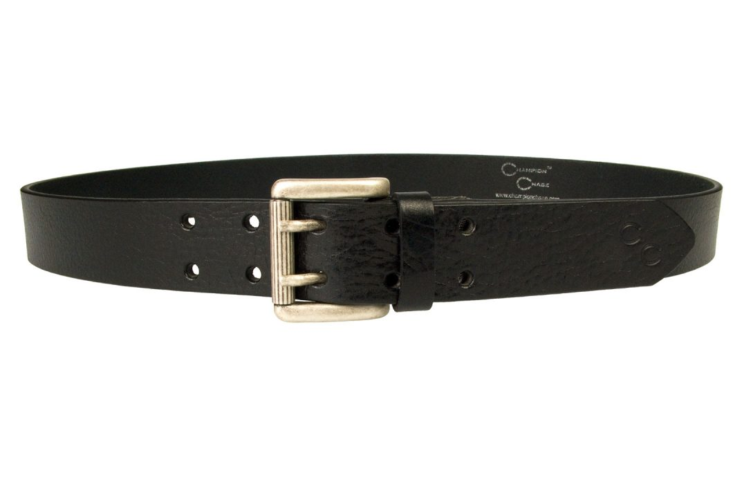 Shiny Black Leather Jeans Belt Supple Grainy Leather. Old Silver Look Double Prong Roller Buckle. Ornate domed closures. Double Horse Shoe Motif. Made In UK with high quality Italian Full Grain Vegetable Tanned Leather and Italian Made Buckle. 3.5 cm Wide. Ideal with Jeans or worn over a loose top.